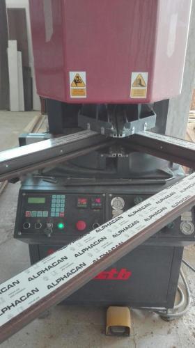 saldatrice automatica infissi pvc